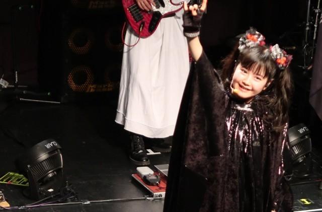 Babymetalのギミチョコの歌詞に隠された真の意味 海外の反応