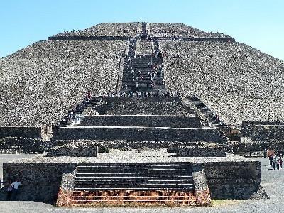 Pyramid_of_the_Sun_(8264562878).jpg