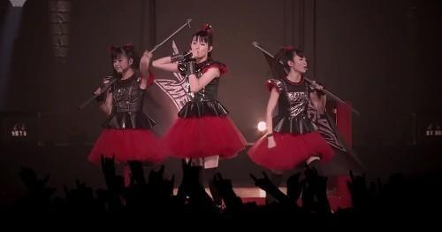 babymetal-y-el-video-de-road-of-resistance-live.jpg